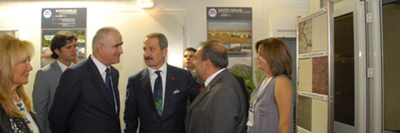 Ekonomi bakanımız Sn Zafer Çağlayan, Mega Build Fuar standımızı ziyaret etti
